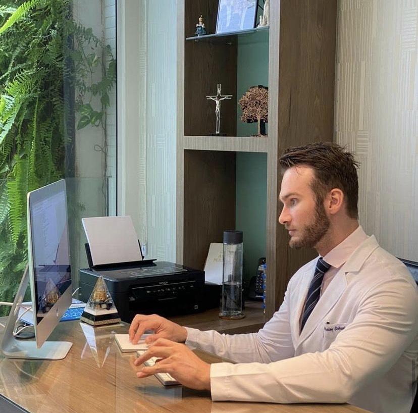 Médico Wesley Schunk é novo parceiro da Jolivi