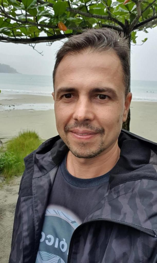 Douglas Peiró é biólogo e um dos responsáveis pela ONG Bióicos