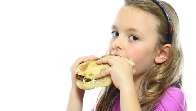 Estudo aponta: 67% de crianças nos EUA não comem 'comida de verdade'