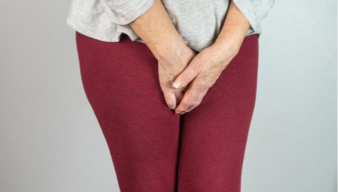 Escape de urina: condição está mais ligada à menopausa, mas não somente